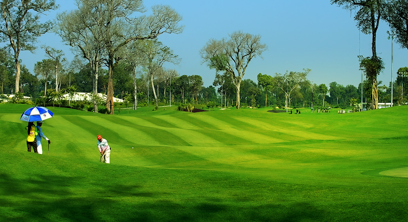 sân golf long thành cách aqua city 3 km